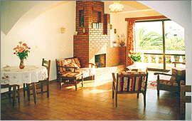 Wohnzimmer und Kamin