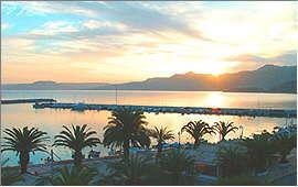 Sitia: Sonnenaufgang über der Bucht